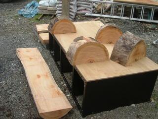 今回はパーツを3つずつ組み合わせてベンチを2つ作ります。