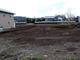 完成 かなり大きな根っこがボコボコでてきましたが、ご覧の通り綺麗さっぱり。畑に使える状態にまでなりました。
