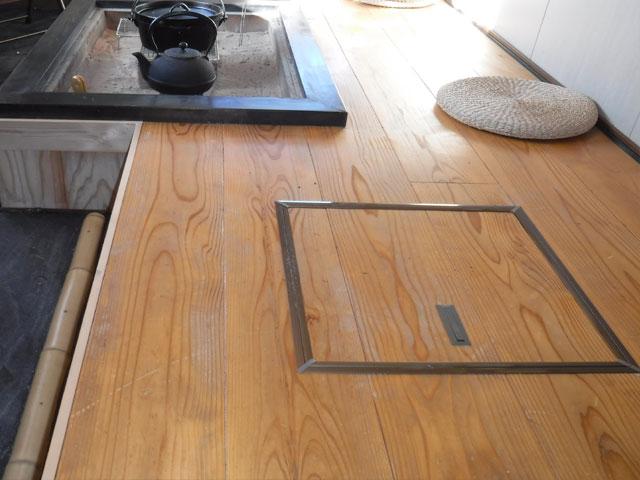 進化版! さらに床下収納を追加!荷物を収納できるので囲炉裏小屋を広々と使えます。
